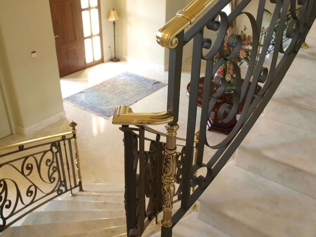 Productos artesania metalica s l - Barandillas de forja para escaleras de interior ...